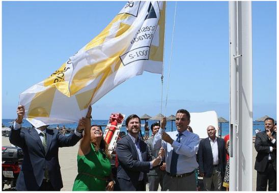 Izado bandera aenor playa de las vistas