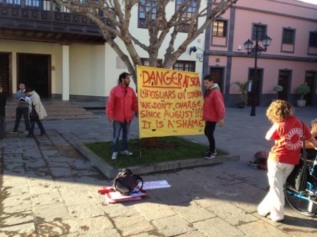 Protesa socorristas Arona