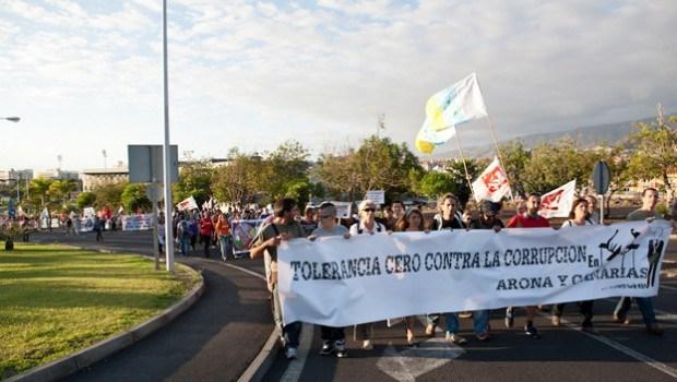 Manifestación anticorrupción celebrada en Arona en 2011/Foto de Las que Luchan